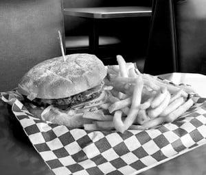 2813248_burger_fries_r1